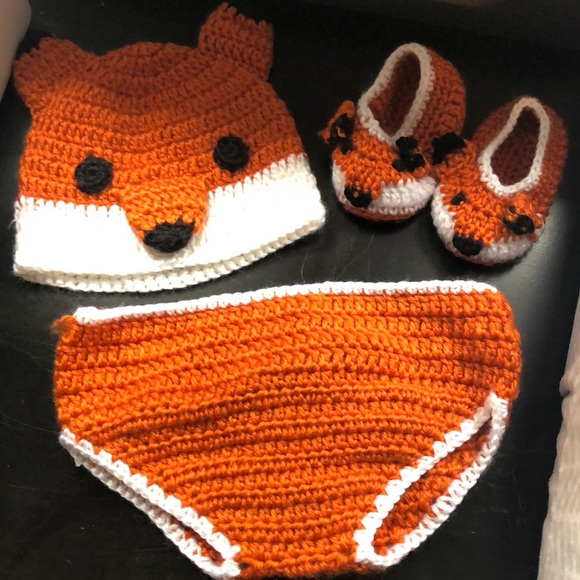 Newborn fox outfit! Tail bottom and booties. M 5b7af3584cdc30fbd4bc91d1 10c21fe6a9f